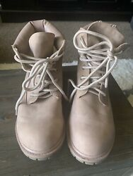 Womens Boots $25.00
