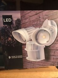 Hyperikon LED Security Light w Infrared Sensor 2 Head Dusk to Dawn 20 Watts