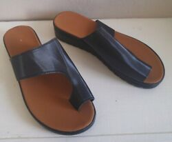 Womens Sandals NEW Modern Black Slides Trendy Size 8? 8.5? Euro Size 39 $9.99
