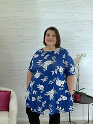 Christina blue floral swing tunic top with pockets $26.00