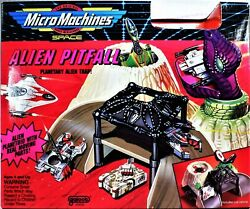 #2 GALAXY VOYAGERS SET amp; ALIEN PITFALL SPACE PLAYSET 1994 GALOOB MICRO MACHINES $50.00