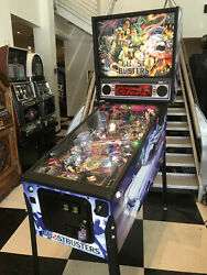 GHOSTBUSTER PINBALL MACHINE ~ PREMIUM MODEL BY STERN ~ GREAT FAMILY GAME