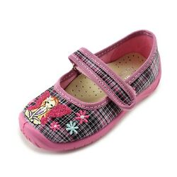 Kornecki Girls Canvas Mary Jane Shoes Slippers Made in Poland $34.00