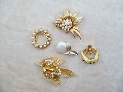 VINTAGE LOT OF FIVE SIGNED DIFFERENT FAUX PEARL GOLD TONE  BROOCHES ALL GORGEOUS