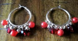 GOLD TONE HOOP PIERCED EARRINGS WITH TWO SHADES OF RED BEADS