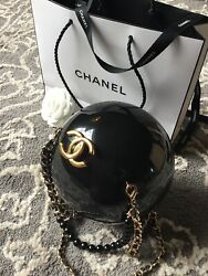 GORGEOUS CHANEL BLACK EBONY PEARL PLEXIGLAS BAG VIP GIFT RUNWAY DUBAI 2016