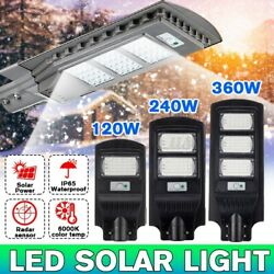 120W 60 LED Commercial Solar Street Light Dusk To Dawns IP67 Outdoor Remote US