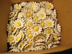 GG# Lot of 100 Porcelain Daisies Lamp Chandelier Flowers $199.99