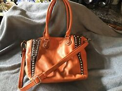 Overnight bag xtra large with cosmetic bag and shoulder strap. Pu Leather $15.00