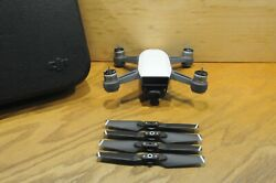 Excellent Condition White DJI Spark Drone Quadcopter *Drone and Propellers Only* $179.00