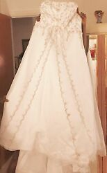 Stunning wedding dress for your special day!!