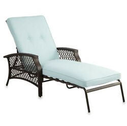 Wicker Padded Chaise Lounge Outdoor Use Patio Pool Poolside Backyard All Weather