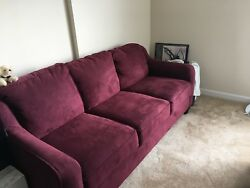 La-Z-Boy maroon couch. Medium size perfect for small spaces! Great condition