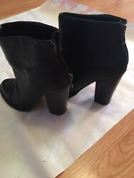 womens boots size 6 black $19.00