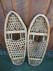 VINTAGE Snowshoes 30quot; Long x 10quot; Wide Great for DECORATION $57.74