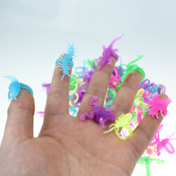 100pcs Insect Rings Plastic Creative Assorted Bugs Gift for Children Kids Pupils