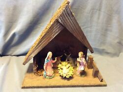 Vintage Christmas Nativity Wooden Moss Stable Italy Creche Attached Figures
