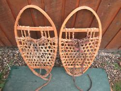 VINTAGE SNOWSHOES 29quot; Long x 14quot; Wide BEAR PAWS GREAT DECORATION $39.84