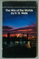 WAR of the WORLDS by H.G. WELLS Vintage 1988 Bantam Classic Paperback $8.99