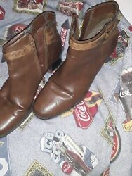 Womens Boots size 8 $7.00