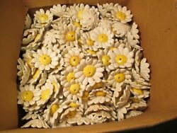 GG# Lot of 10 Porcelain Daisies Lamp Chandelier Flowers $29.99