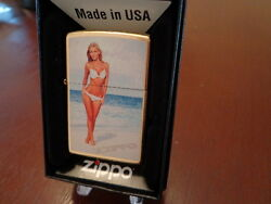 BLONDE IN BIKINI ON WHITE SAND BEACH PINUP GIRL GOLD DUST ZIPPO LIGHTER MINT $31.95