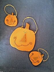 Honey & Me FALL Pumpkins Wood Set of 3 Primitive Style DecorationsOrnaments NWT