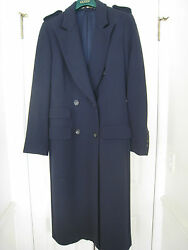 Gucci Coat - Women's - Size 42 - 100% Lana Wool made in Italy.