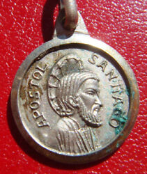 SANTIAGO DE COMPOSTELA JAMES THE GREAT VINTAGE BEAUTIFUL SMALL MEDAL $30.00