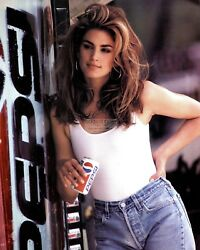 CINDY CRAWFORD MODEL AND ACTRESS - 8X10 PUBLICITY PHOTO (AB-035)