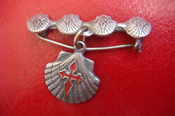SANTIAGO DE COMPOSTELA JAMES THE GRATE ANTIQUE SILVERED BRONZE CHARM BROOCH $50.00