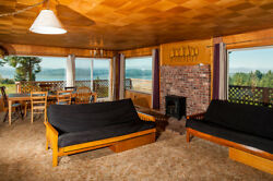 4 Nights: Bay View Retreat for 21 Guests Home by RedAwning ~ RA5773