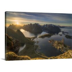 Solid-Faced Canvas Print Wall Art entitled Magic Moment