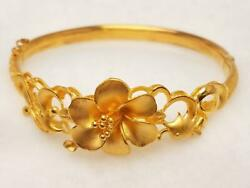 24K Yellow Gold Floral Style Bangle Bracelet Size 6