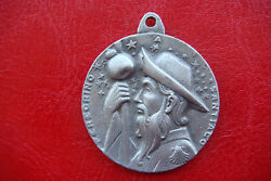 PILGRIM SANTIAGO DE COMPOSTELA JAMES THE GREAT VINTAGE BEAUTIFUL MEDAL PENDANT $100.00