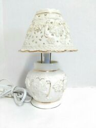 Holiday ceramic porcelain Snowflake Table Lamp Ivory Gold Trim $12.99