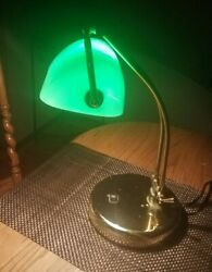 FINE Vintage BANKERS LAWYERS Brass Desk Lamp wEMERALD Green Glass Shade!