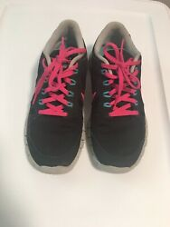 tennis for women Size 6.5 super lightweight has very good conditions $25.00