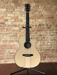 Martin 000CJr-10E Acoustic Electric Guitar + Gig Bag $599.00