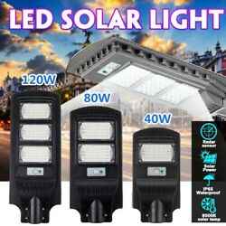 120W 60 LED Commercial Solar Street Light Dusk To Dawns IP67 Outdoor Remote