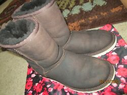 UGG AUSTRALIA Classic Leather Boots SHEARLING LINED Brown Women's 6 Beaded $49.99