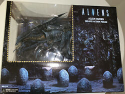 NECA Aliens Xenomorph Queen Action Figure Ultra Deluxe with Free Space Jockey $66.00