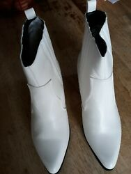 Womens Boots White Size 10 Bootie 2quot; heel Pull On Style Faux Leather $21.95