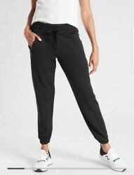 New ATHLETA Recover Bounce Back Jogger Pant Black Size Small #487575 $54.00