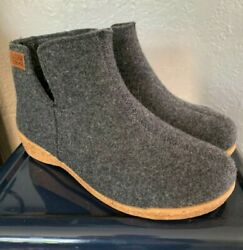 Taos Footwear Womens Boots 39 Charcoal Grey Wool EUC Cozy Gorgeous Durable $54.99