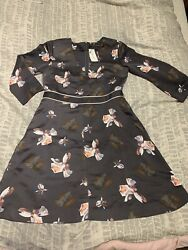 Banana Republic Gray Floral Dress Size 2 with pockets $13.00