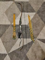 vintage bear grizzly recurve bow $375.00