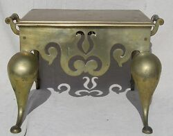19TH CENTURY ENGLISH BRASS ANTIQUE FIRELACE FOOTMAN $575.00
