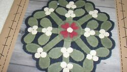 KISSING BALL MAT Wool Applique Penny Rug Pattern Wooden Spool Designs 9x9