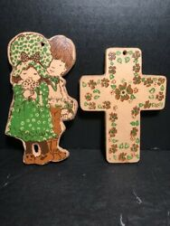 Lot of 2 RARE VINTAGE Holly Hobby wall decoration plaques cross and characters $24.99